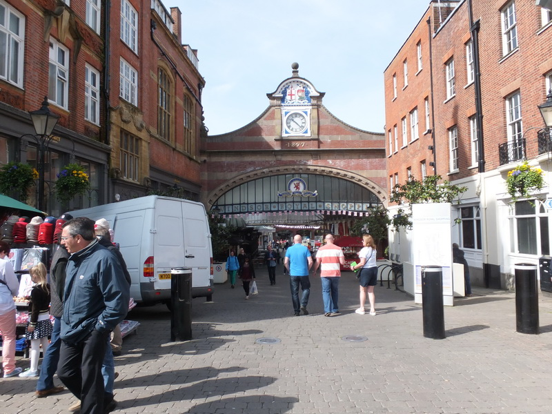 Eingang zum Bahnhof Windsor Castle