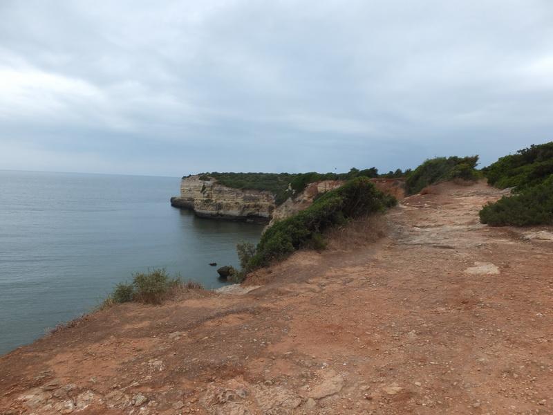 Spaziergänge in der Hotelumgebung an der Küste der Algarve