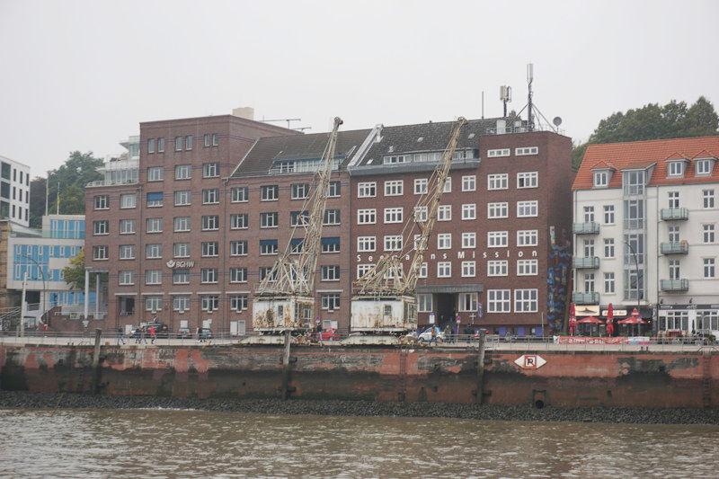 alte Kräne im Hamburger Hafen