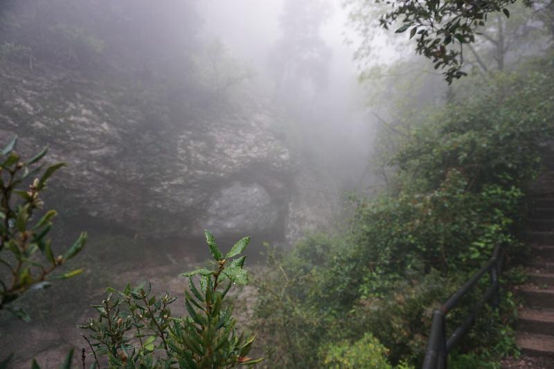 Montserrat in Nieselregen