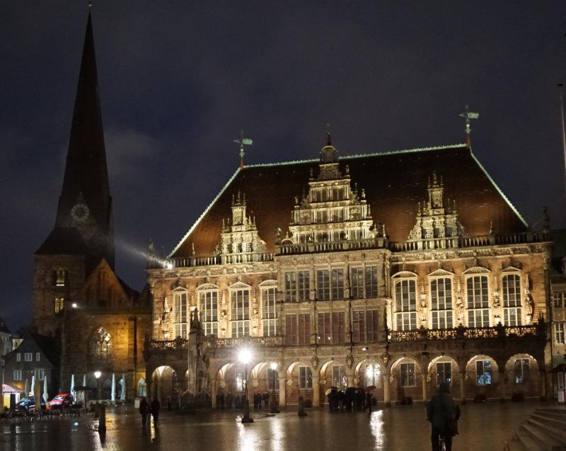 Abendstimmung auf den Marktplatz in Bremen
