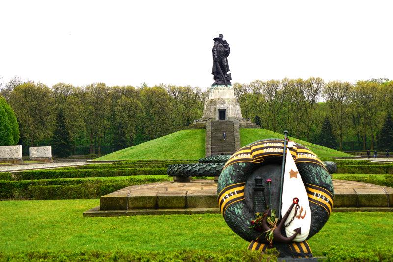 Sowjetische Berlin Treptower Park