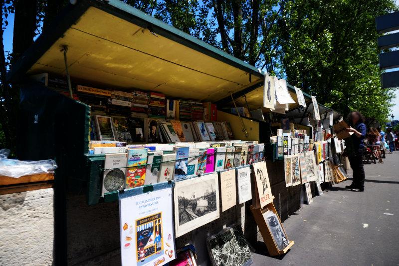 Buchhändler ann der Seine