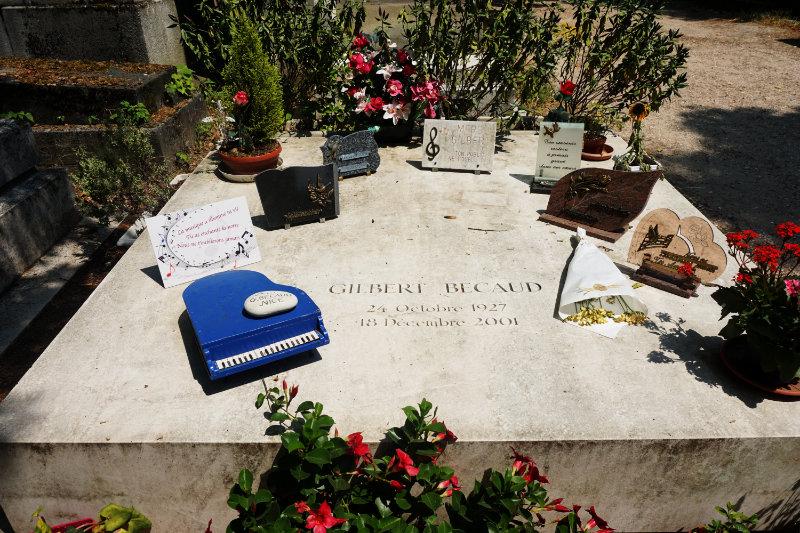 Gilbert Becaud Friedhof Père Lachaise