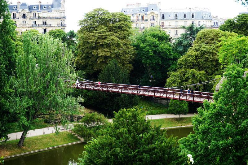 Grüne Oase in Paris - Parc des Buttes-Chaumont