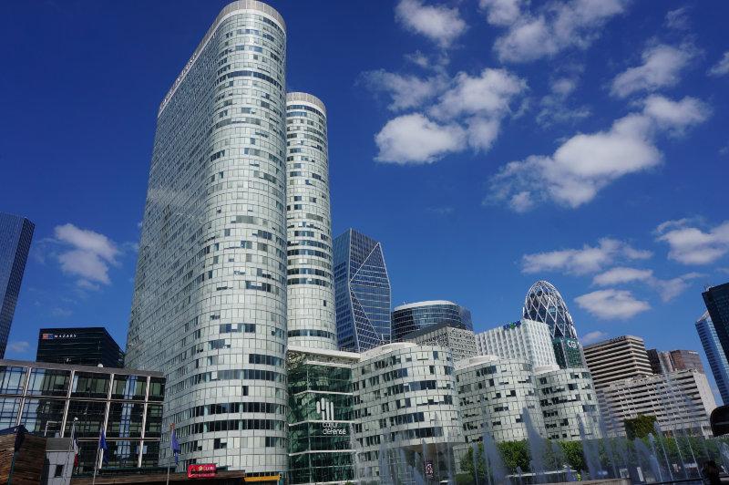 Bürogebäude in La Défense