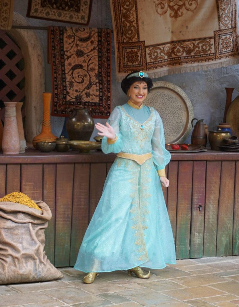 Disneyfiguren erleben Jasmin