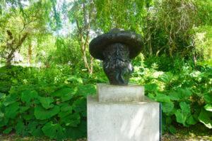 Monet Statue