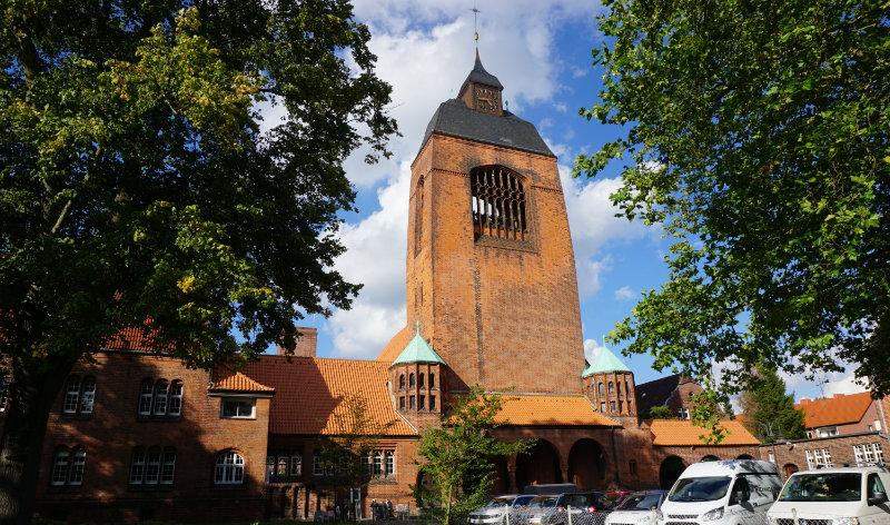 Stadtrundfahrt Kiel Wochenende, Petruskirche