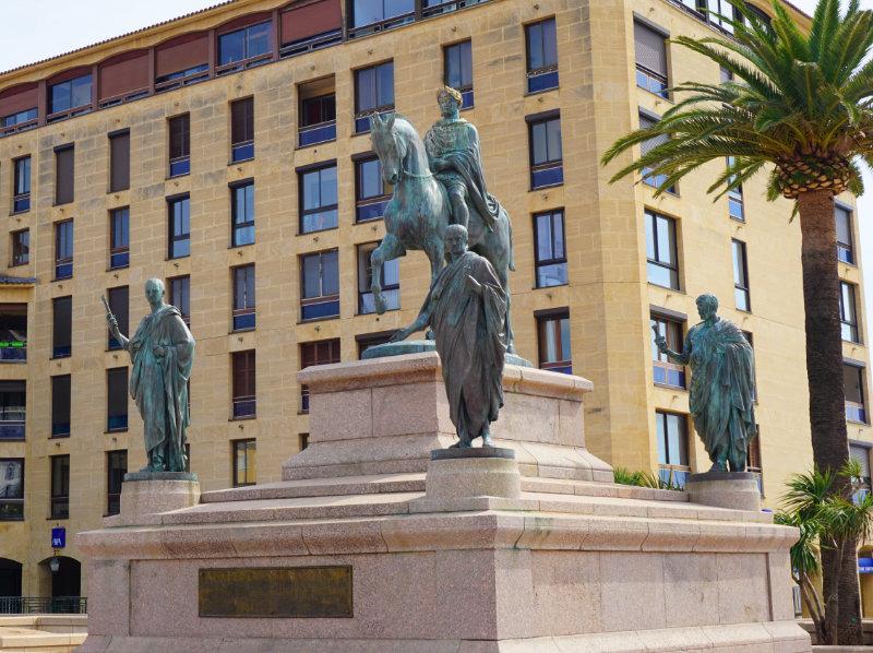 Place de Gaulle Denkmal Napoleon