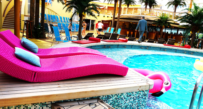 AIDA Pool