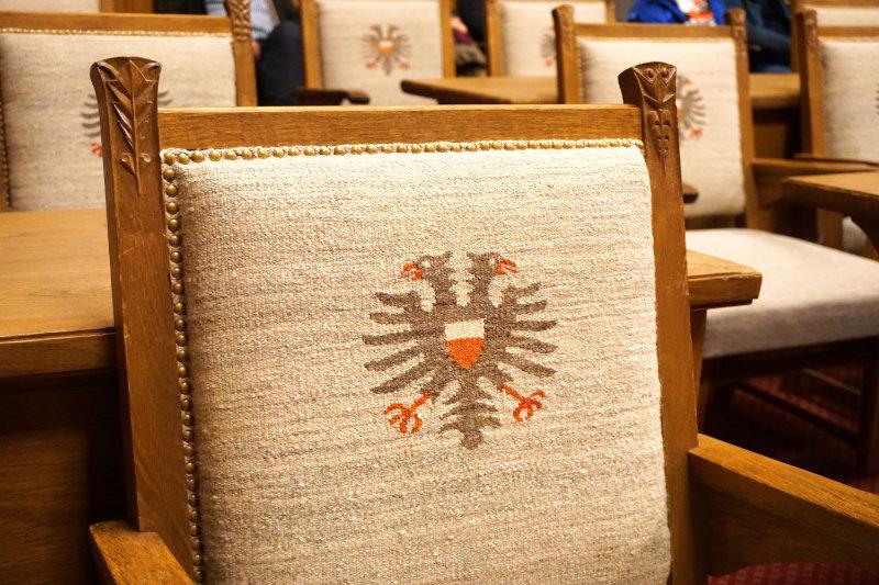 Lübecker Rathaus Stuhl im Bürgerschaftssaal