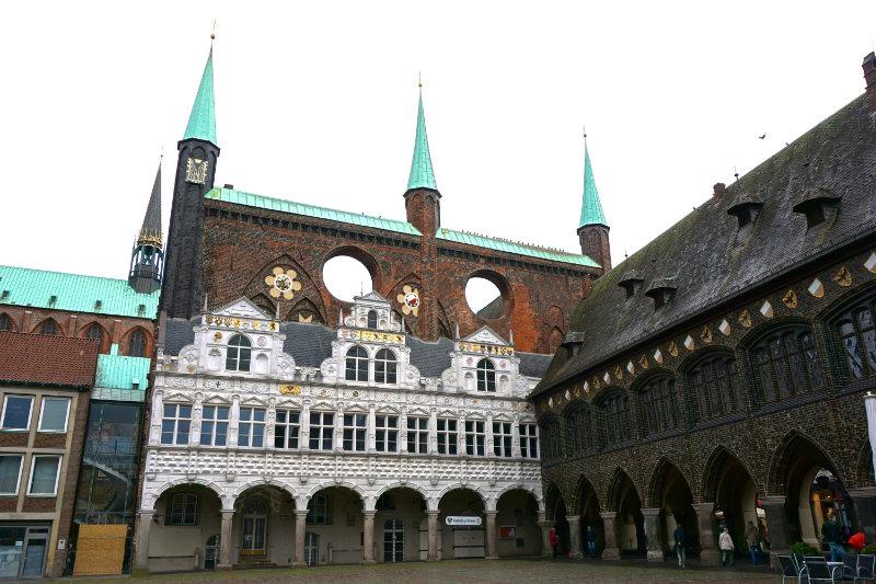 Rathaus Lübeck vom Marktplatz aus