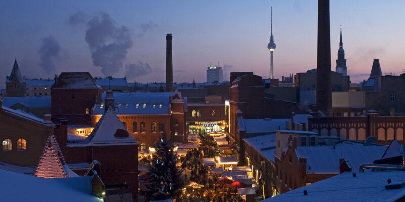 """Weihnachtsmarkt in der Kulturbrauerei, Berlin-Prenzlauer Berg"""" _ Jochen Loch"""