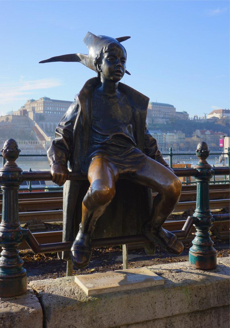 Warum Stehen Schuhe Am Donauufer Denkmaler Statue In Budapest
