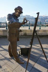 Statue in Budapest Maler