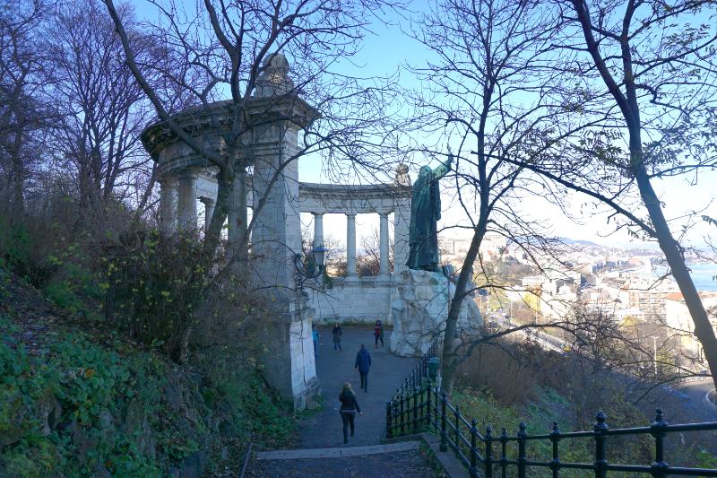 Buda Gellertdenkmal