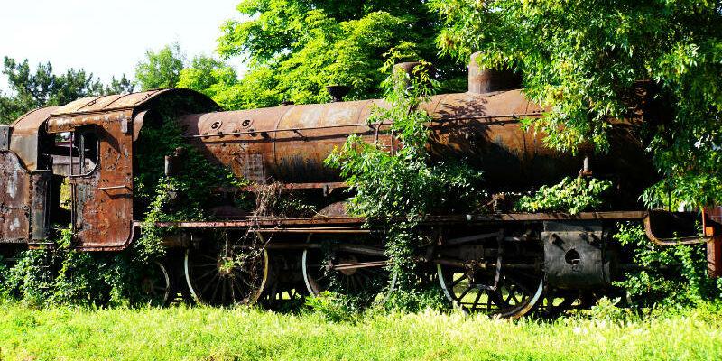 alter Zug in Niš - Zugfahrt von Niš nach Belgrad