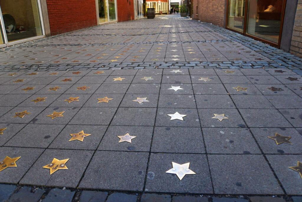 Sterne auf der Strasse