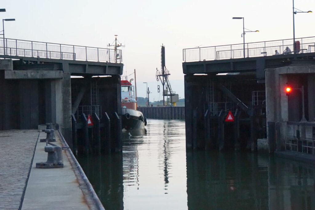 Bremerhaven Sportbootschleuse