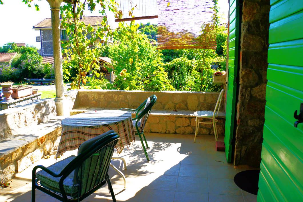 Dodoši Unterkunft mit Balkon