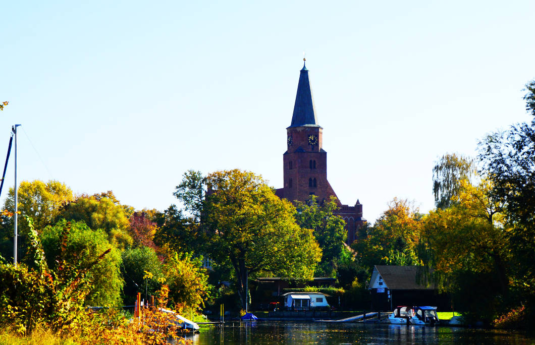 Floß fahren Brandenburg an der Havel - Blick zum Dom