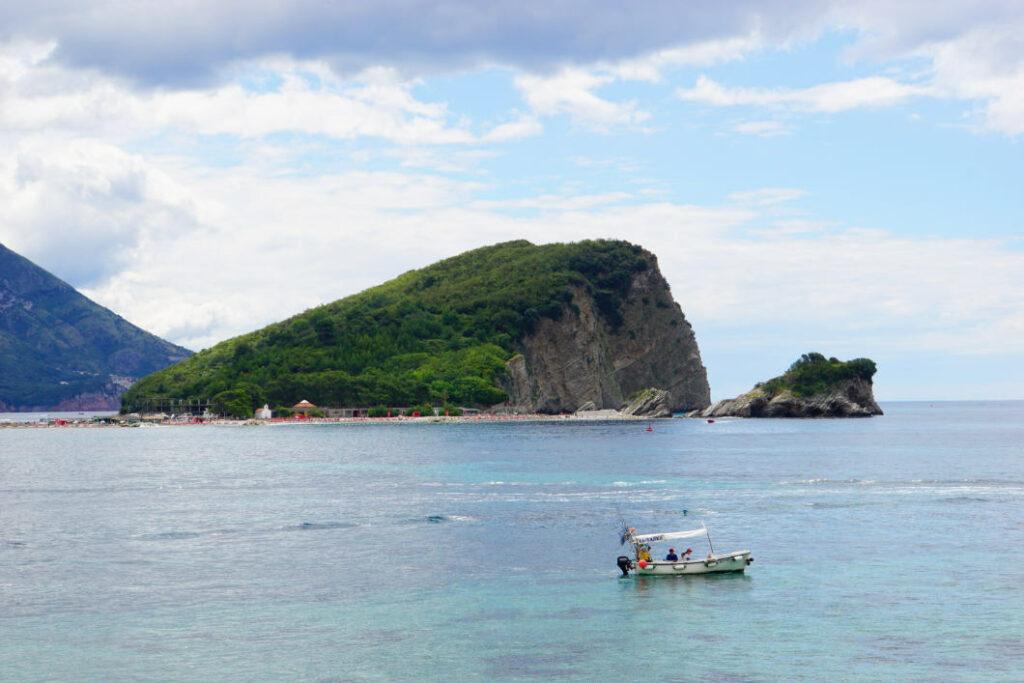 Budva - Insel vor der Küste