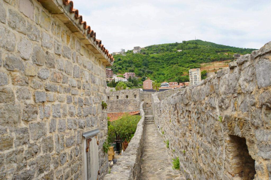 Budva Altstadtmauerweg
