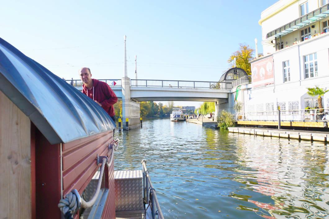 Floß fahren Brandenburg an der Havel - Steuermann des Flosses