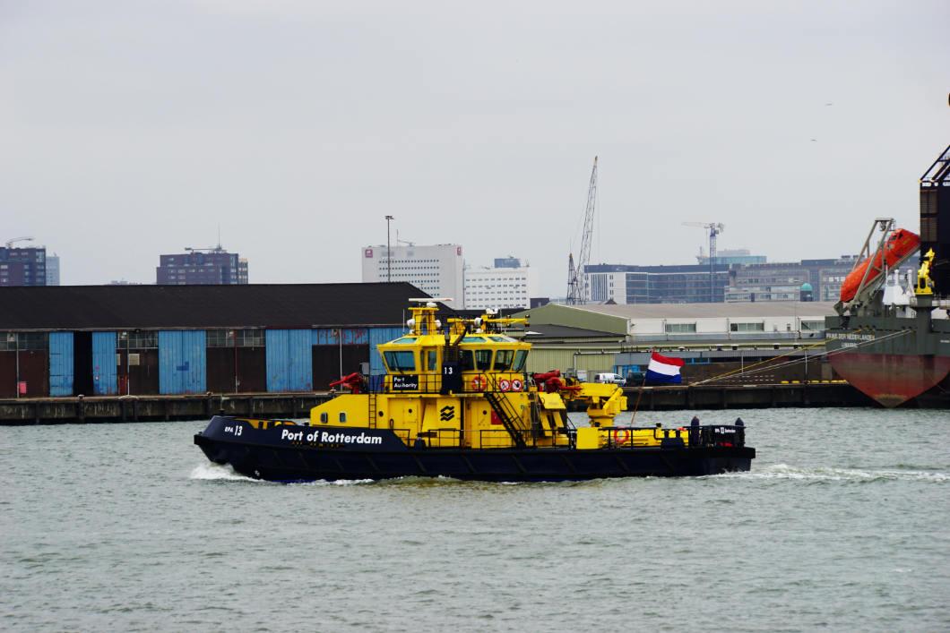 unterwegs im Hafen von Rotterdam