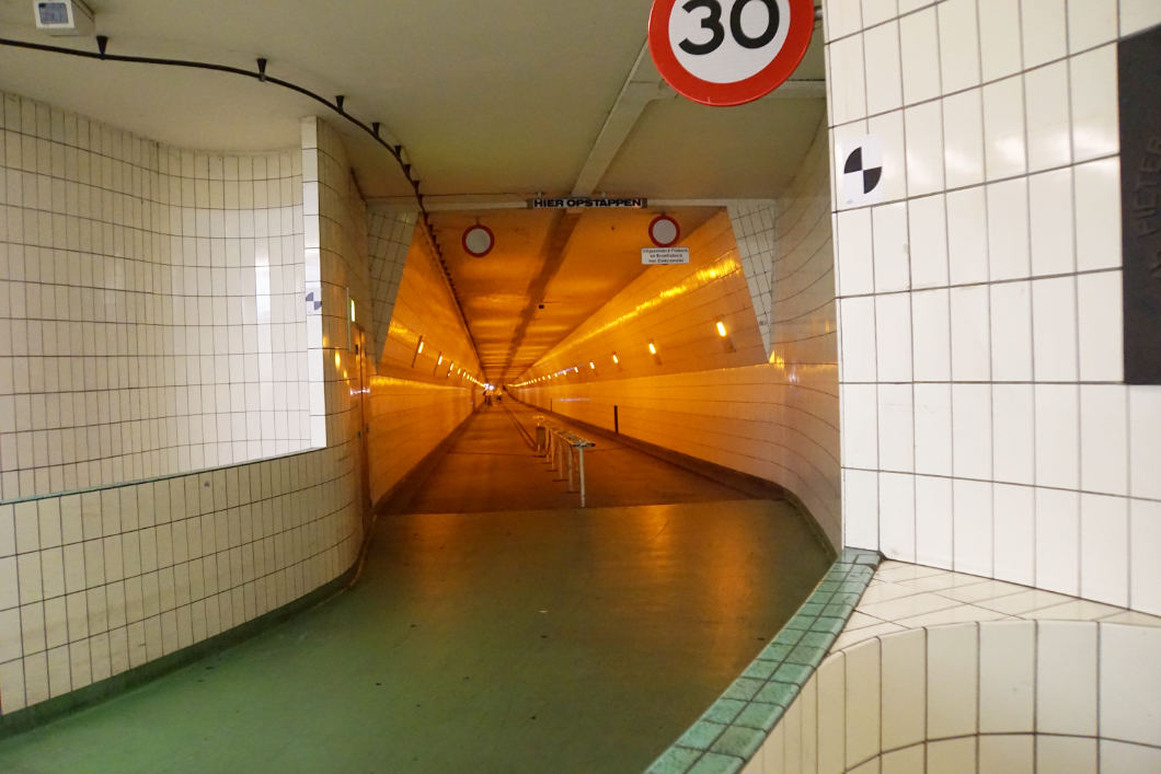 Fahrradtunnel unter der Maas