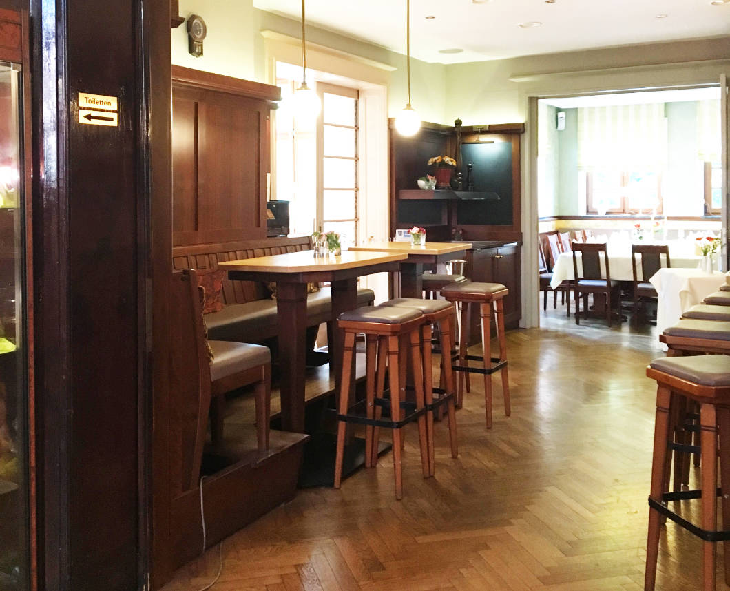 Bar im Parkhotel Güldene Berge