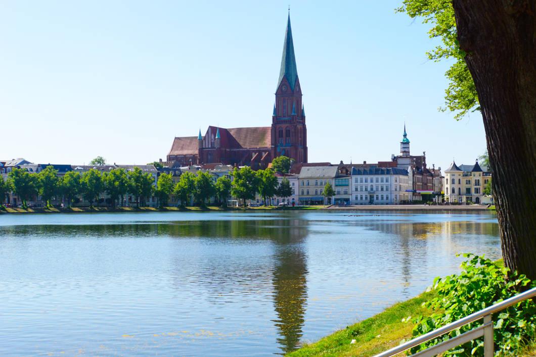 Blick nach Schwerin