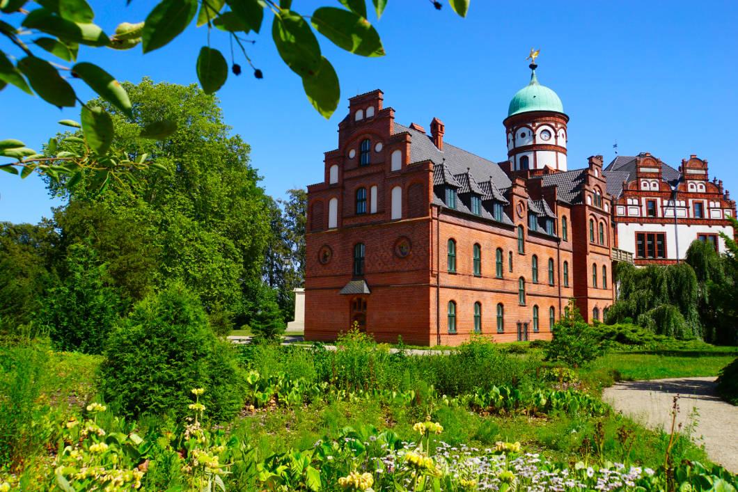 Schloss Wiligrad mit Gartenanlage