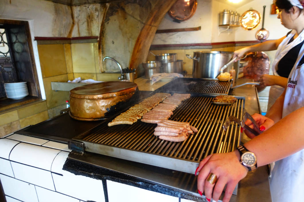 Bratwurst in der Wurstkuchl