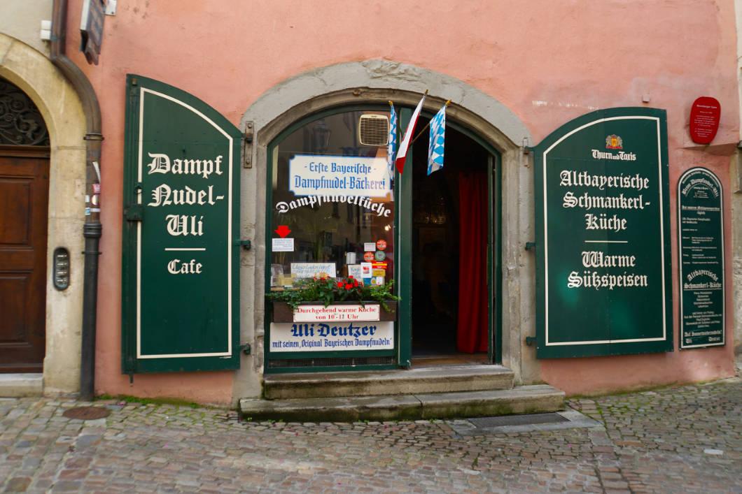 Dampfnudel Uli in der Regensburger Altstadt