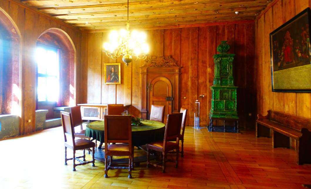 Grüner Tisch in Regensburg