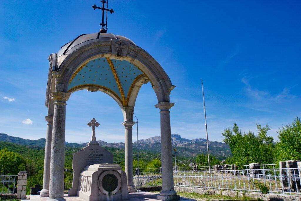 Mausoleum in Cetinje Montenegro, Orlov krš