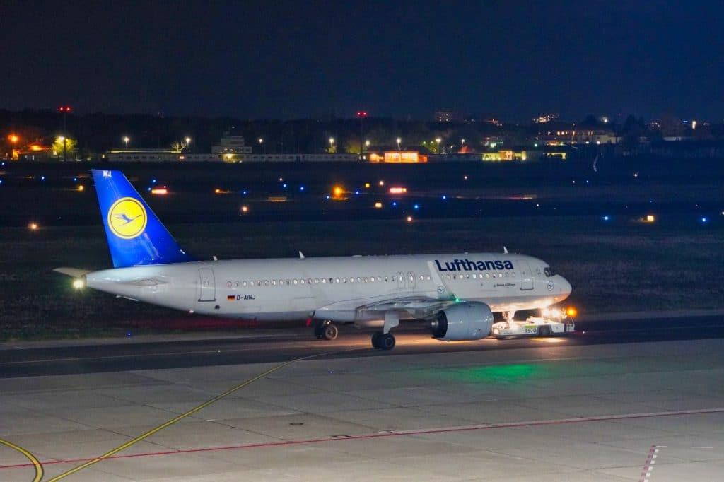 Lufthansa abends