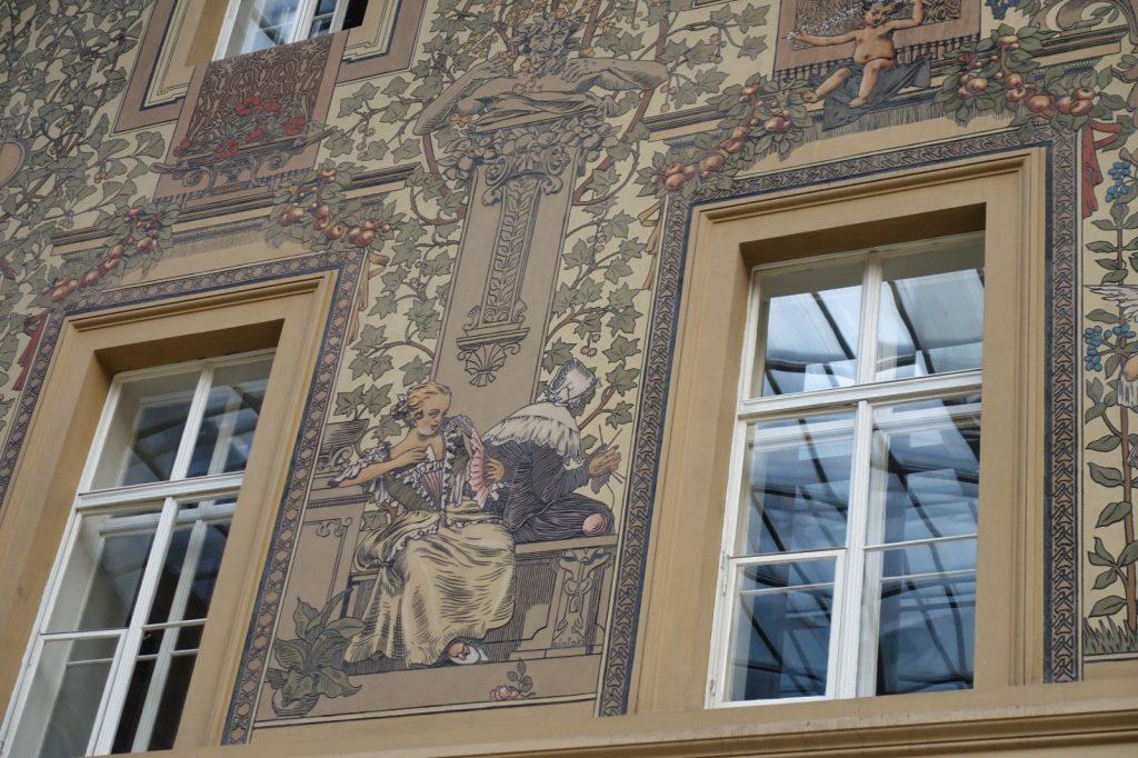 Wandgestaltung in der Prager Hauptpost