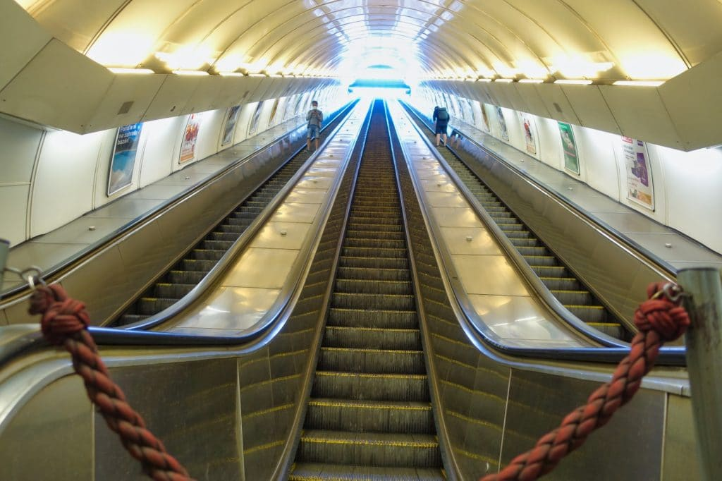 Rolltreppe in der Prager Metro