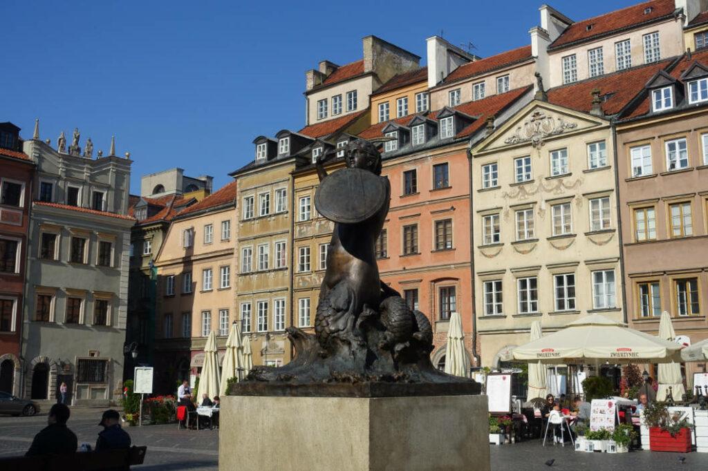 Marktplatz mit Meerjungfrau in Warschau