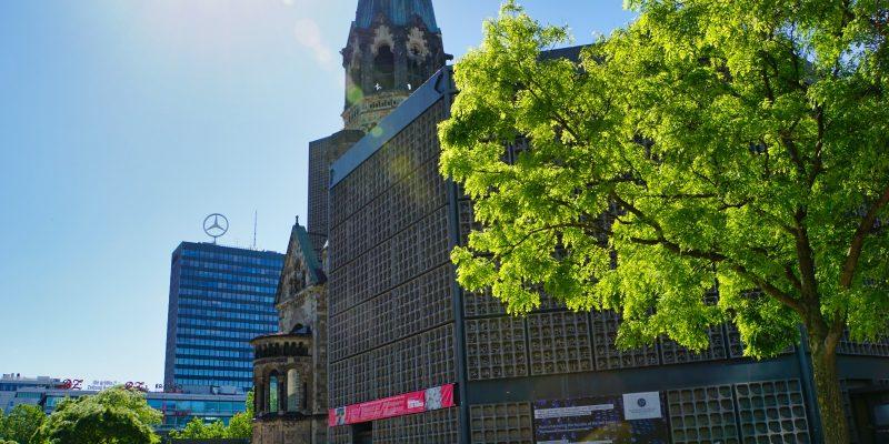 Breitscheidplatz, Spaziergang über den Kurfürstendamm