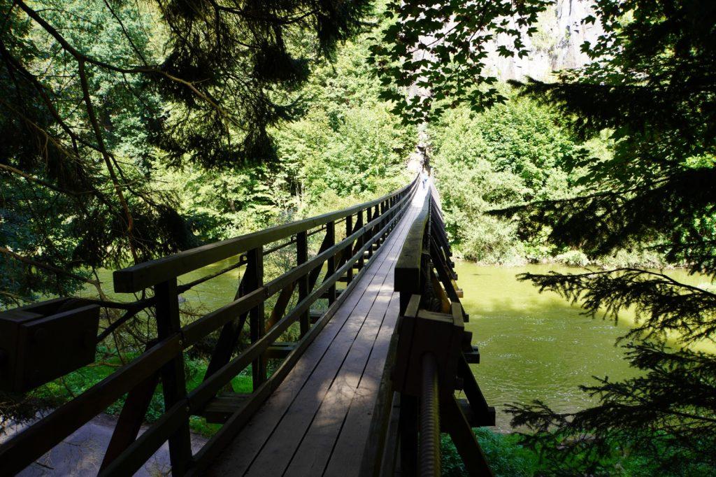 Holzbrücke über die Eger