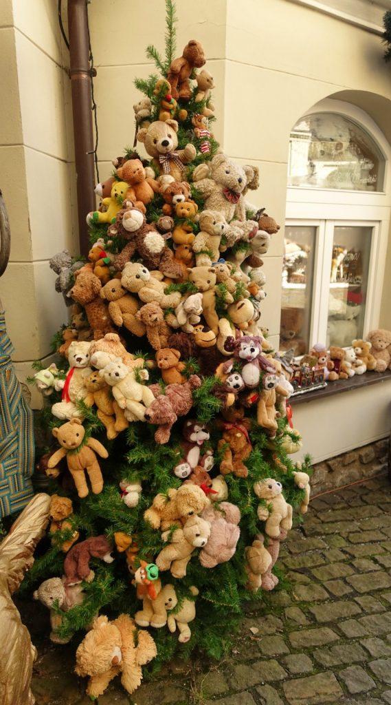 bäriger Weihnachtsbaum