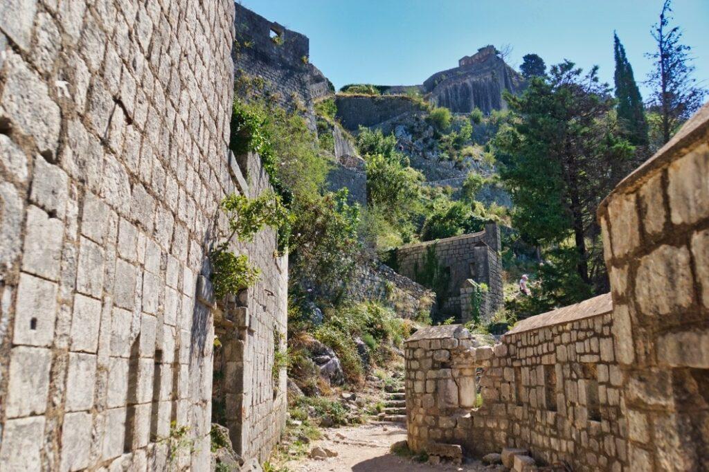 Kotor - Weg zu den Ruinenn