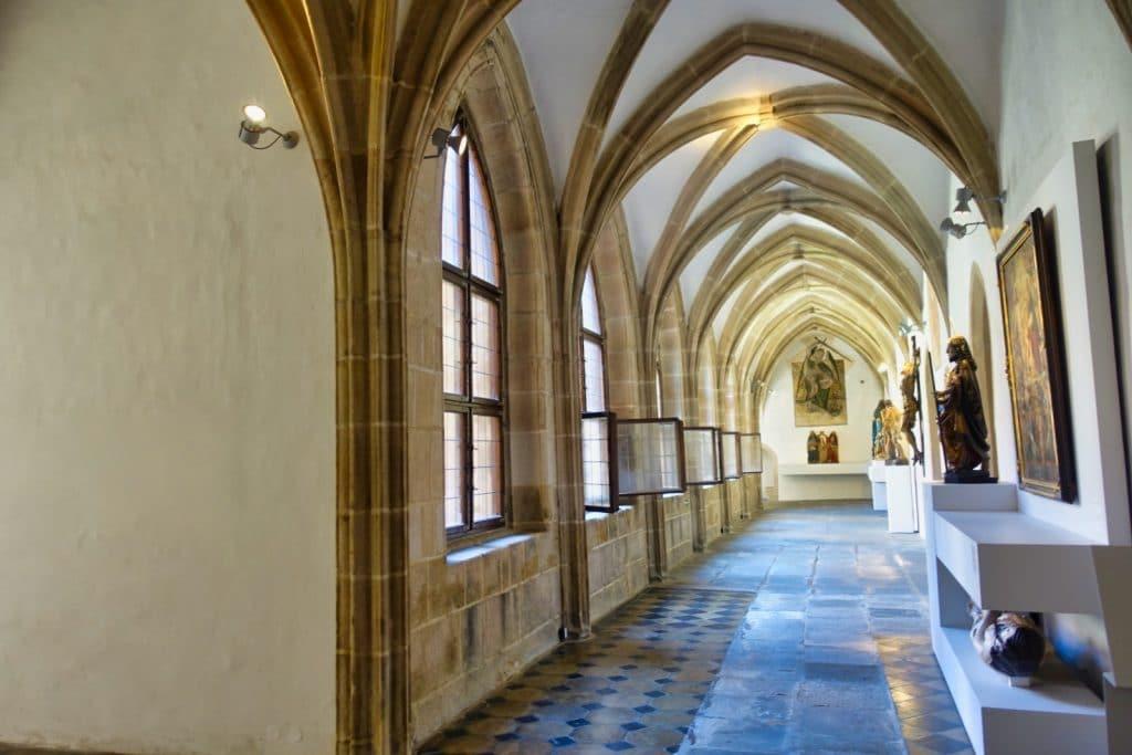Kreuzgang im Kloster in Pilsen