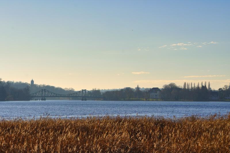 Blick zu Glienicker Brücke