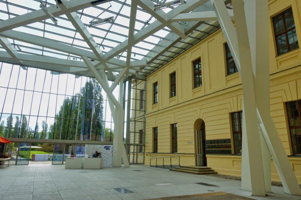 Glashalle im Jüdischen Museum