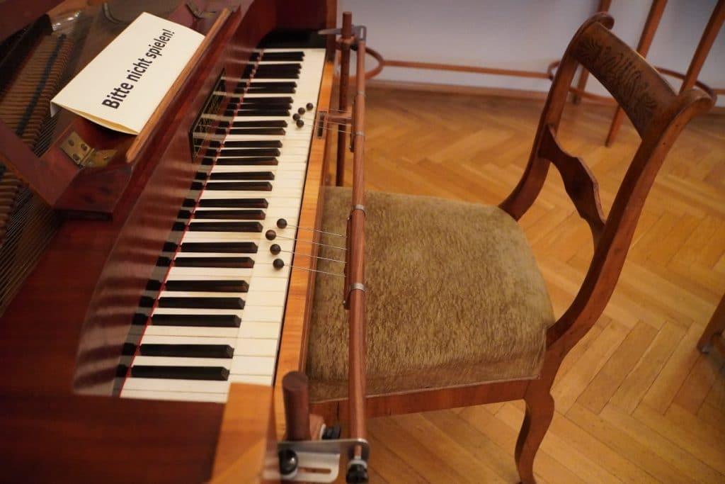 Hilfsmittel für das erlernen des Klavierspiels